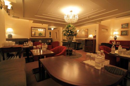 銀座の高級クラブ、藤谷(clubfujitani)の店内画像