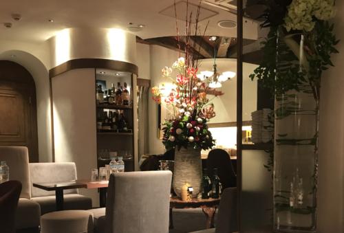 銀座の高級クラブ、葵木(clubaoki)の店内画像