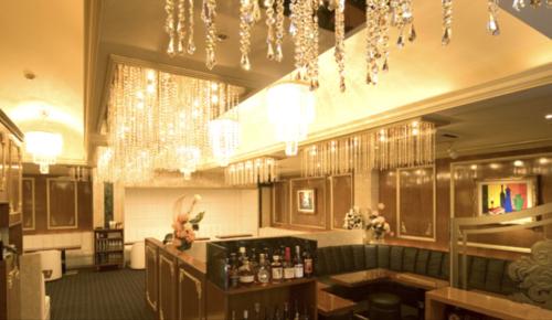 銀座のニュークラブ、オルフェ(orphee)の店内画像その1