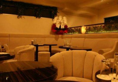 六本木の私服キャバクラ、ピアジェの店内画像