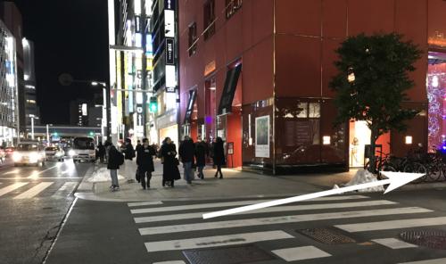 銀座の高級クラブ、クラブ上田への道