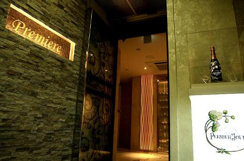 銀座クラブ、プルミエールの入口