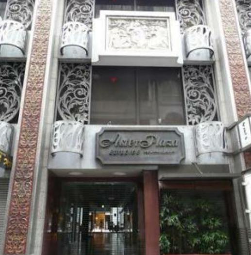 銀座エレガンス&プリティのあるビル入口