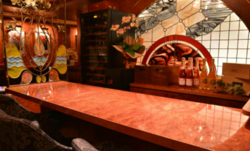 六本木ラウンジ、リムジンダイニングの店内画像