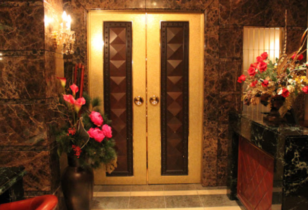 銀座金銀彩の玄関